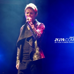 [PHOTO] 2011.10.29 JYJ EUROPE TOUR CONCERT IN SPAIN