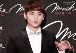 [PHOTO] 111206 Junsu at Asia Jewelry Awards Part1